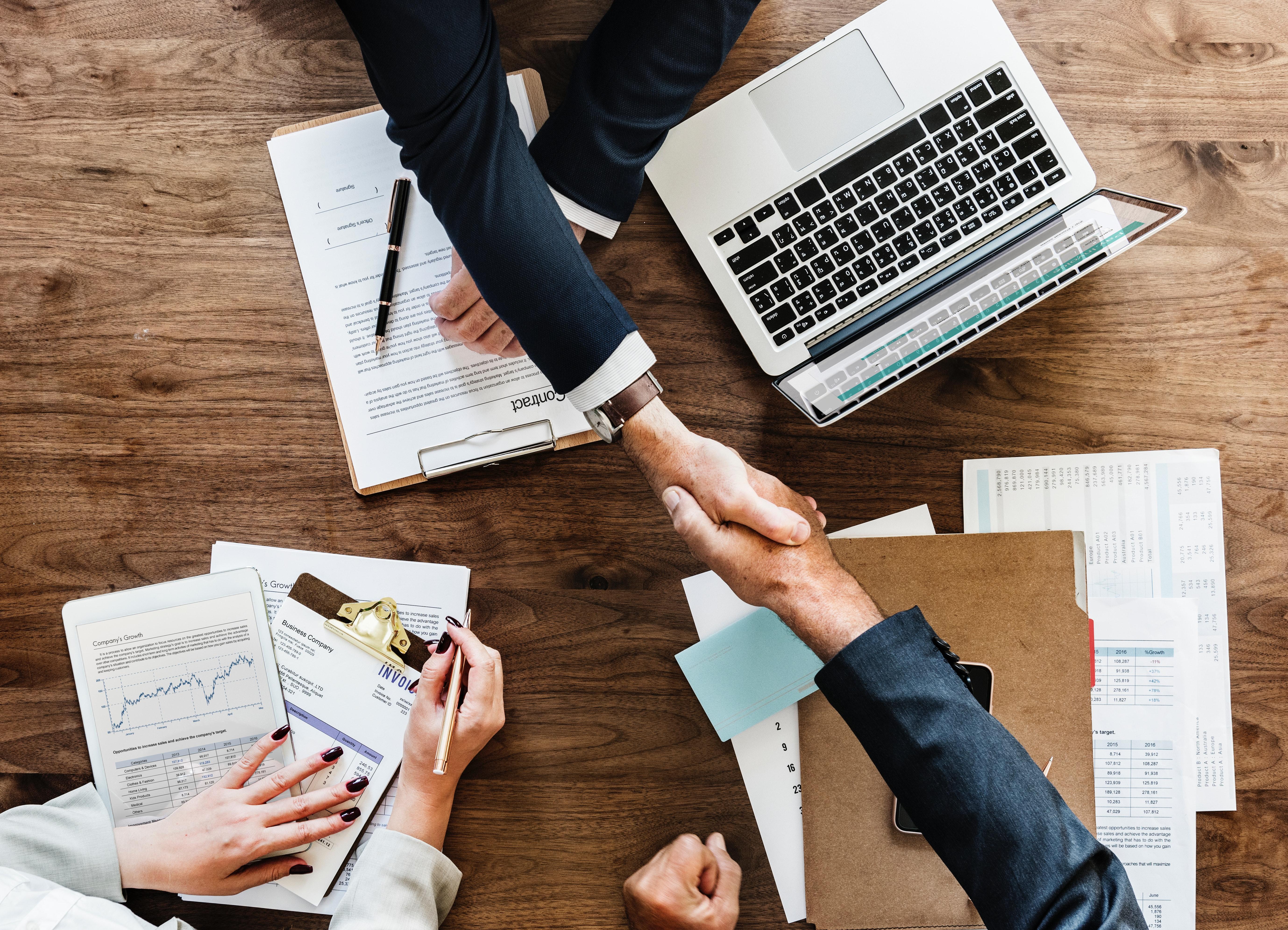 mercure-asesoramiento-asesoria-legal-negocio-abogado-abogados-economista-economistas
